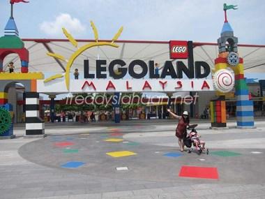 Pintu Utama Legoland